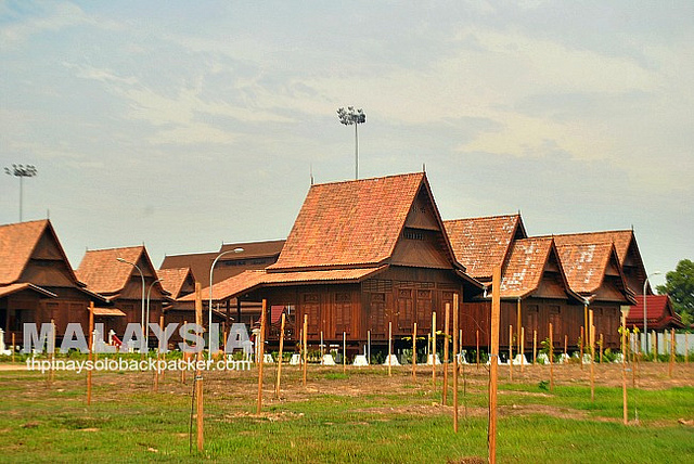 Malaysia Tourism Hunt 2013: Hang Tuah Center Rises in Melaka