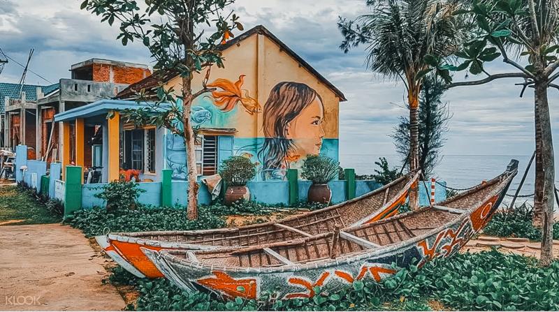 Hoi An travel - mural village