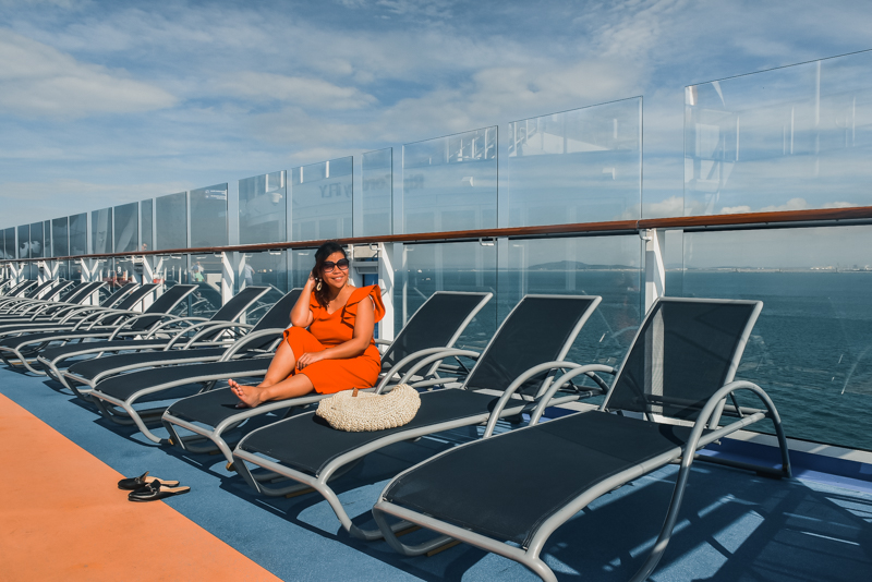 ovation of the seas lounger